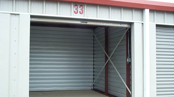 10 x 12 Storage. FALLBROOK L18 AIRPORT   Offering airplane T hangers  box hangers